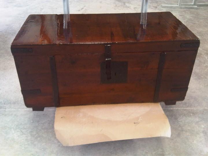 Restaurar baul de madera beautiful cmo renovar el suelo for Restaurar muebles lacados
