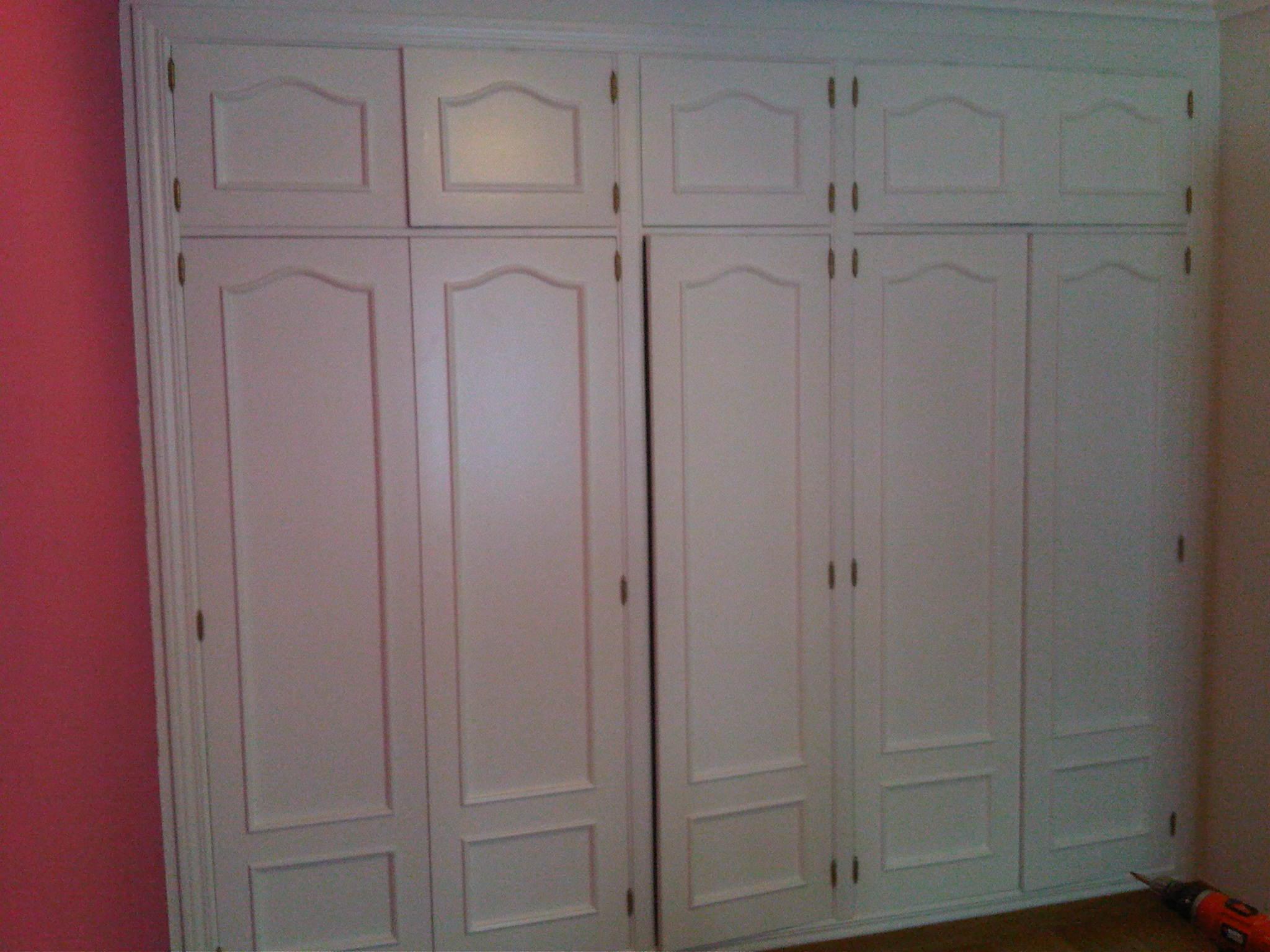 Pintar muebles lacados en blanco muebles y lacados for Pintar mueble lacado
