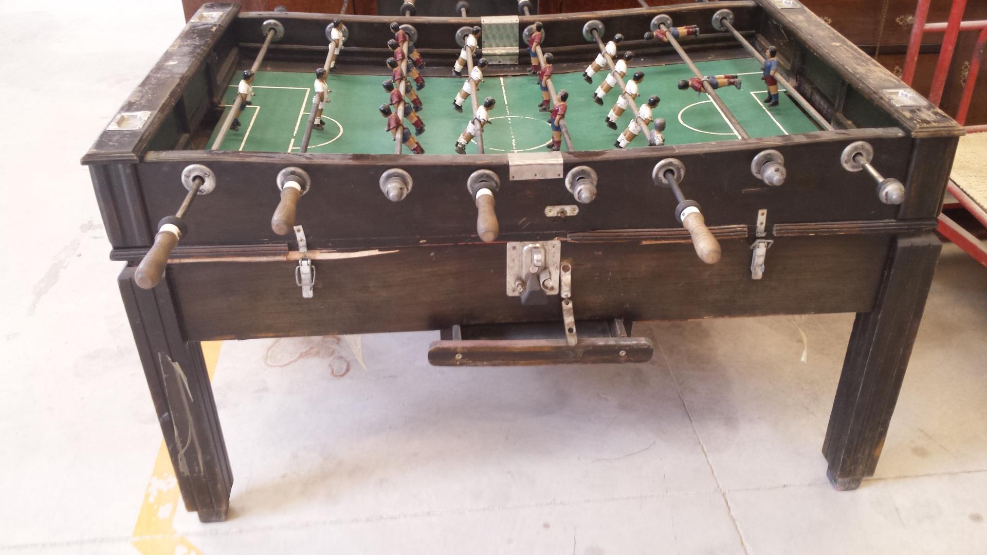 Lacados barnizados restauracion futbolin antes