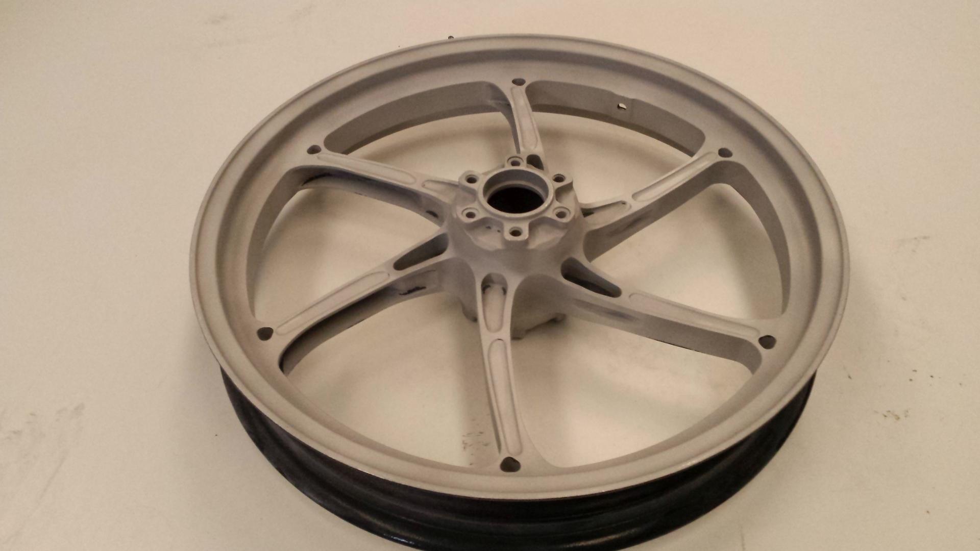 Lijado y arenado de llantas de moto con silicato de aluminio - Pulir llantas de aluminio a espejo ...