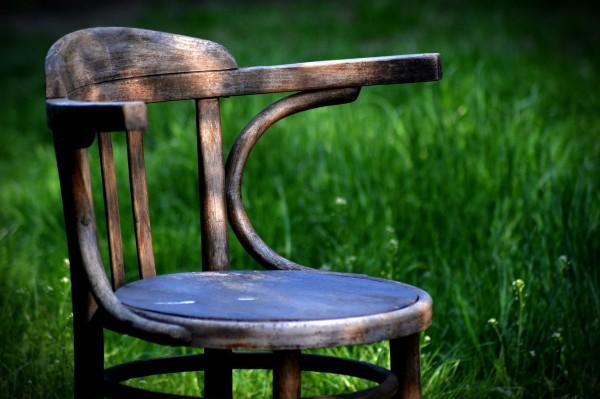 Técnica decapé para restaurar la silla