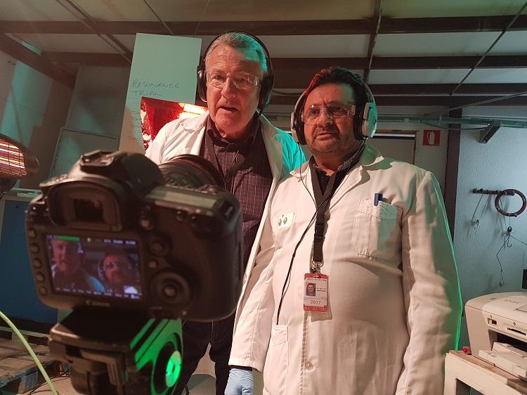 Protagonistas del vídeo delante de la cámara