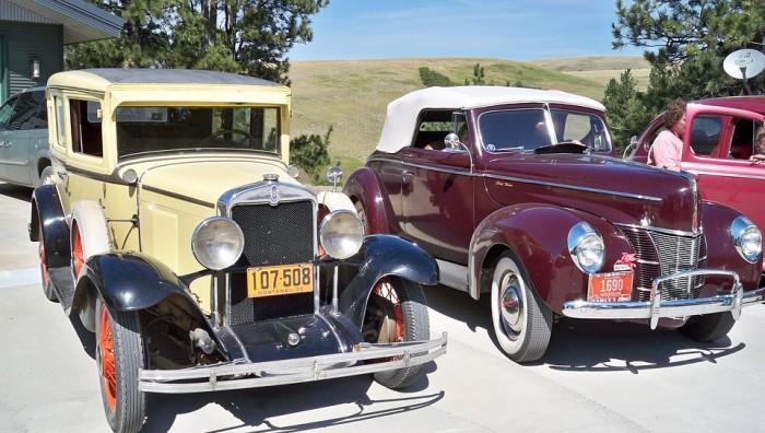 Coches clásicos en el salón Antic Auto