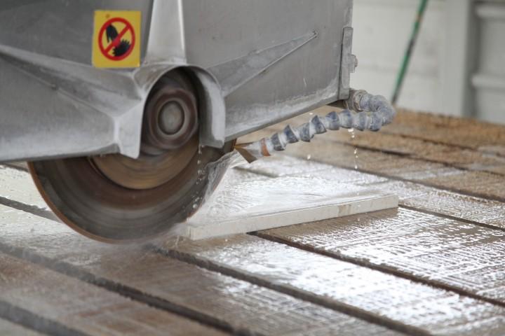 Limpieza de maquinaria de marmol