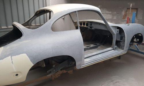 Arenado de un coche antiguo en Galvañ Lacados