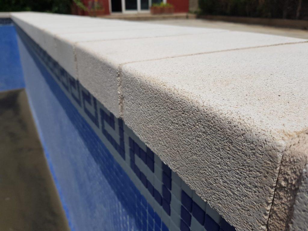 restauración-piscina-detalle-arenado
