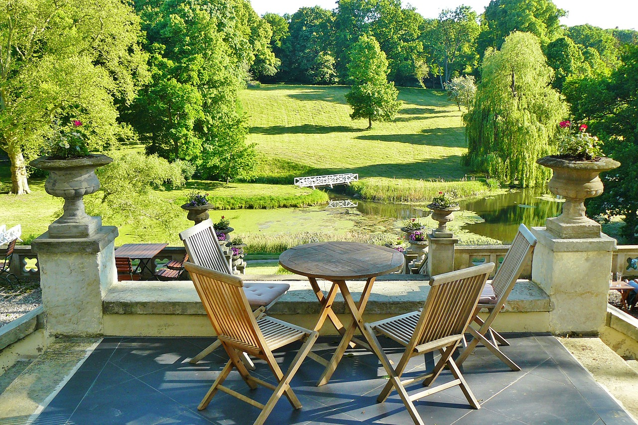 Arenado y lacado de muebles de terraza y jardín