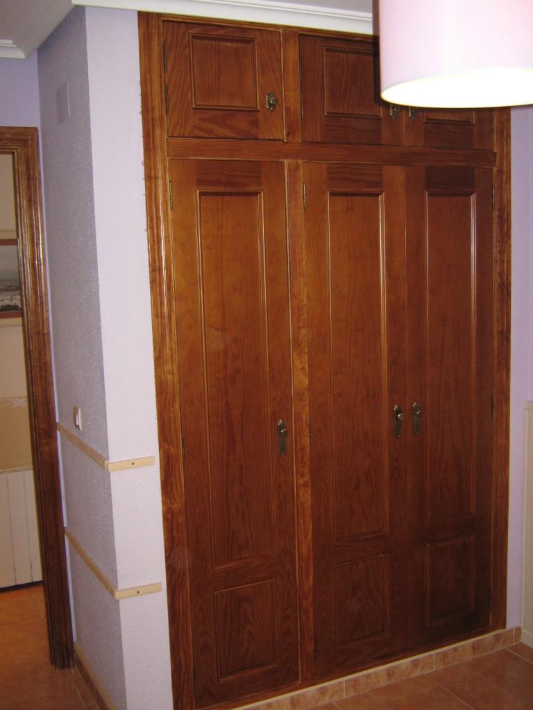Lijado y te ido de puerta de madera de pino en onil - Puertas color pino ...