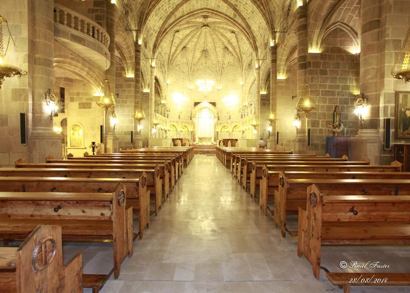 Lacado y barnizado de los bancos de la Iglesia Parroquial de María Asunta, Castalla