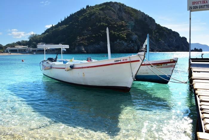 Arenado de barcos para su mantenimiento y puesta a punto