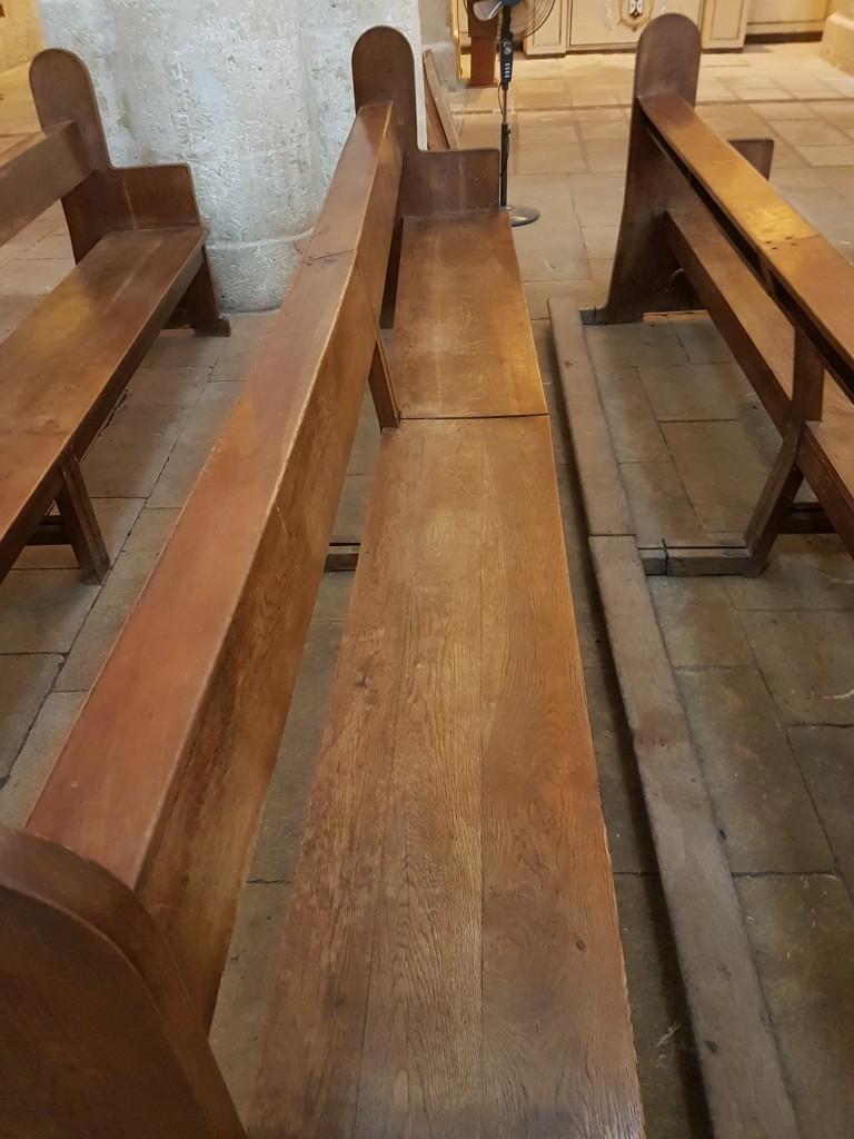 bancos de la basílica de santa maría en alicante antes de su restauración