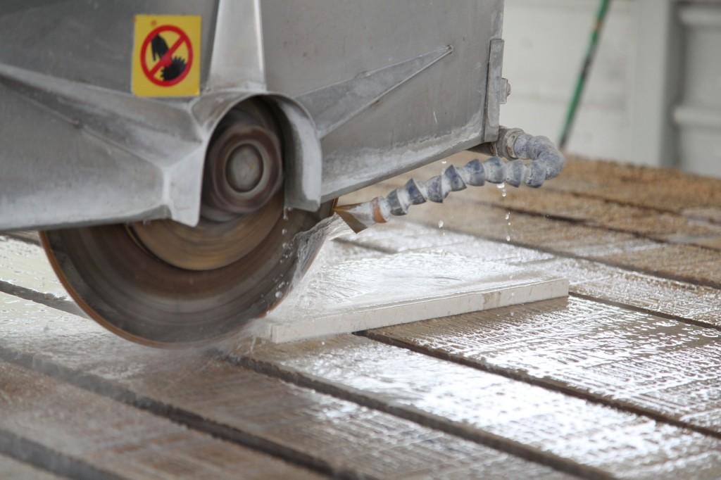 Limpieza e maquinaria del sector del mármol
