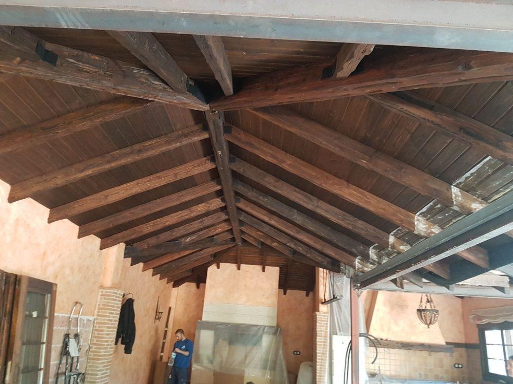 Arenado de techo de madera para lacado