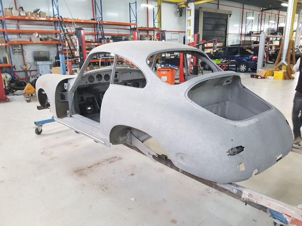 Restauración de coches antiguos con arenado