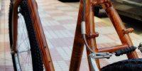 Hidroimpresion de una bicicleta con lamina de madera