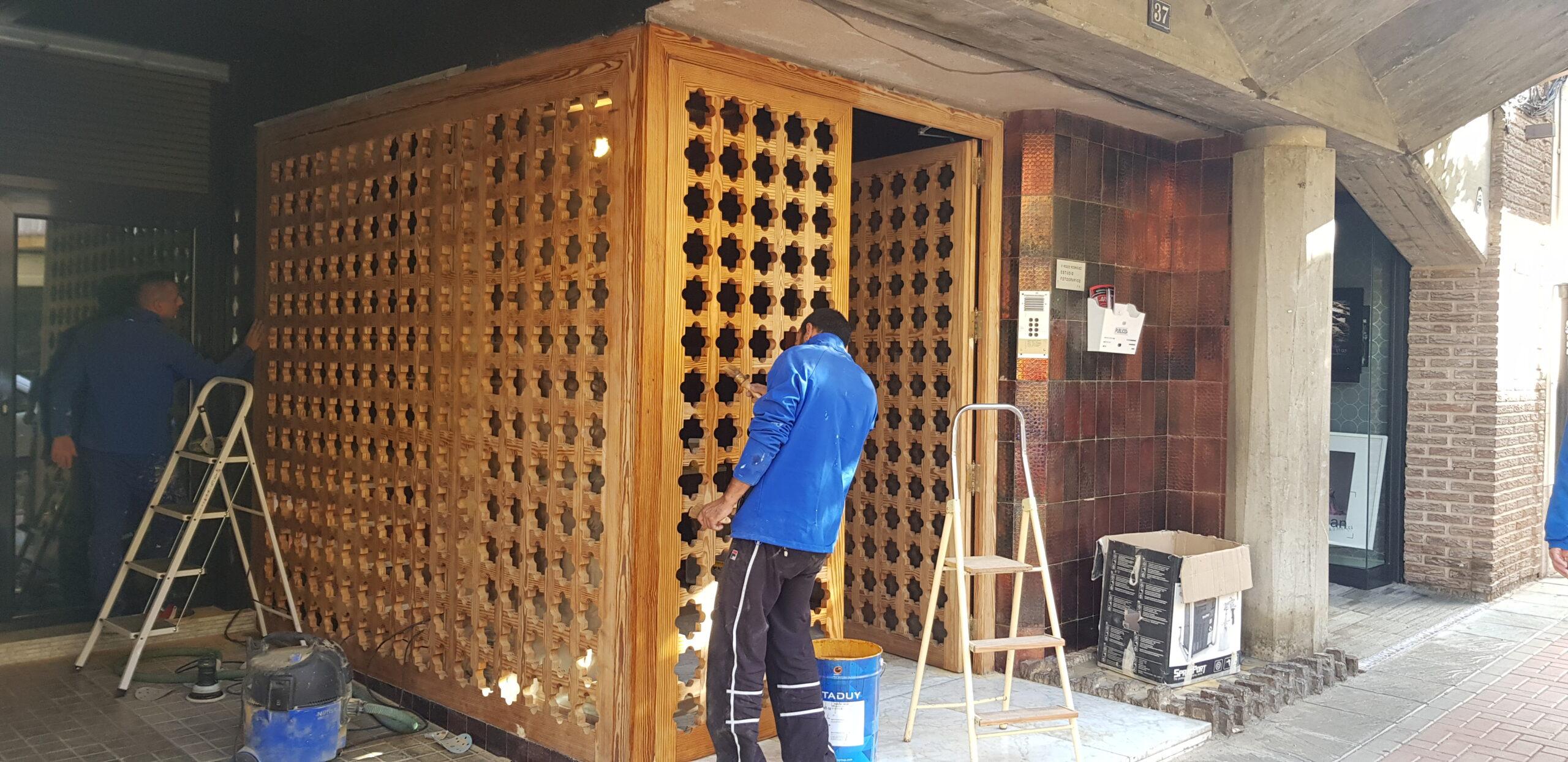 Restauración de fachada de madera en Onil Alicante