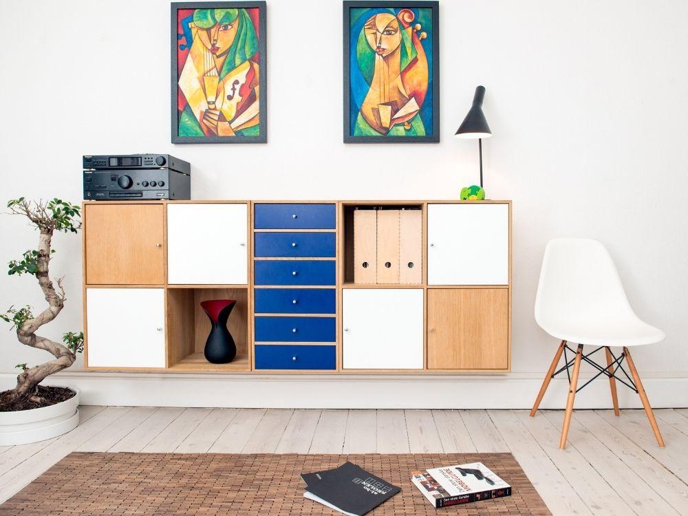 Mantenimiento y restauración de muebles en Galvañ Lacados